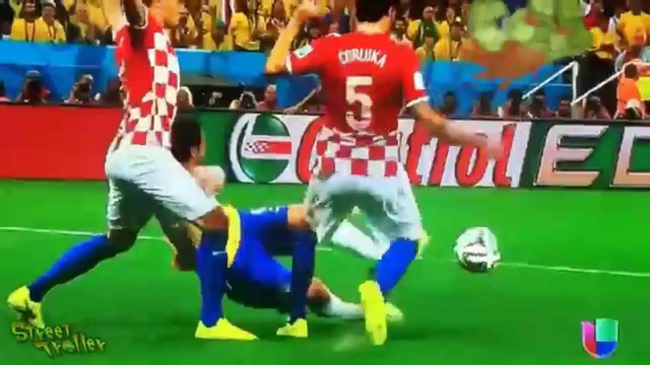 Foi Penalty!! Veja o que derrubou Fred no jogo contra a Croácia